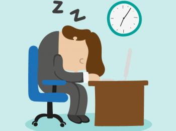 Somna inte vid skrivbordet, ta del av våra tips för bättre sömn istället. Bild: Freepik.