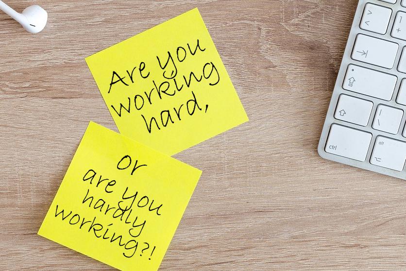 Det står i vägen för effektiva medarbetare på svenska kontor.