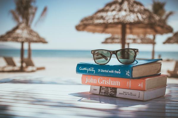 En smartare, billigare sommar och semester med Visma Advantage.