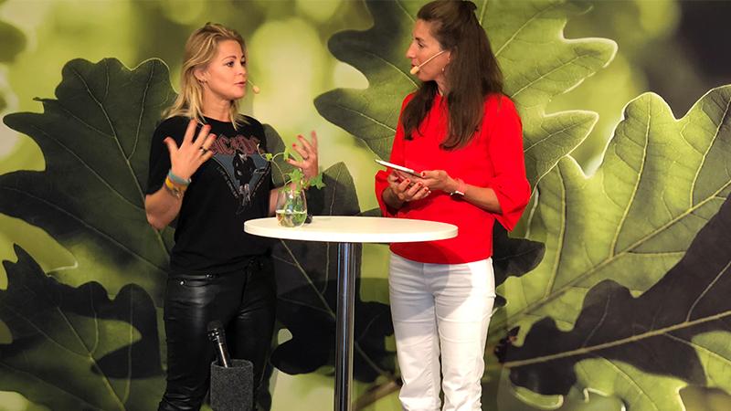 Anna Stenberg och Beata Wickbom diskuterar digital rekrytering och förändringsledare.