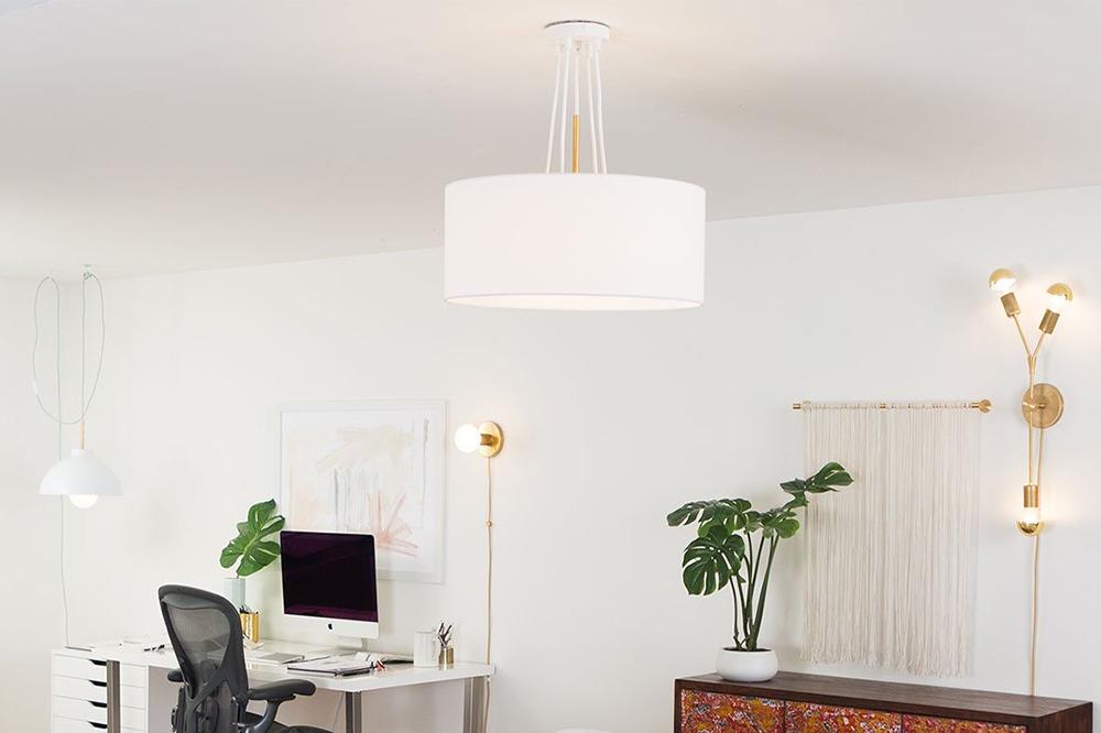 Bra ljus och lampor är viktigt i hemmakontoret.