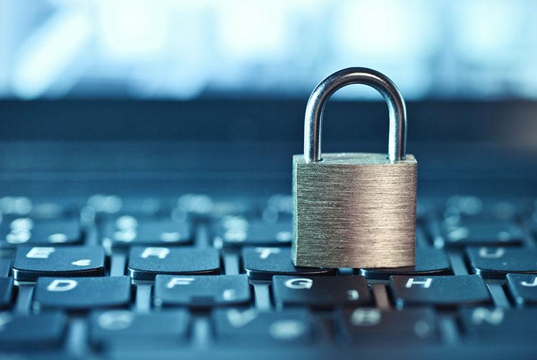 cybersäkerhet, laptop, lås